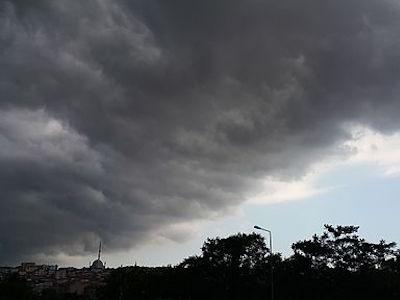 航空管制官乱層雲